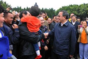 胡春华履职广东一个月做了什么?