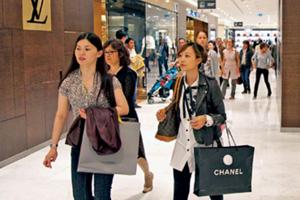 去年国人海外消费千亿美元 超越美国全球居首