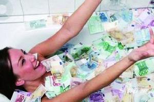 炫富炫出祸!菲律宾郭美美用钱洗澡被查出逃税