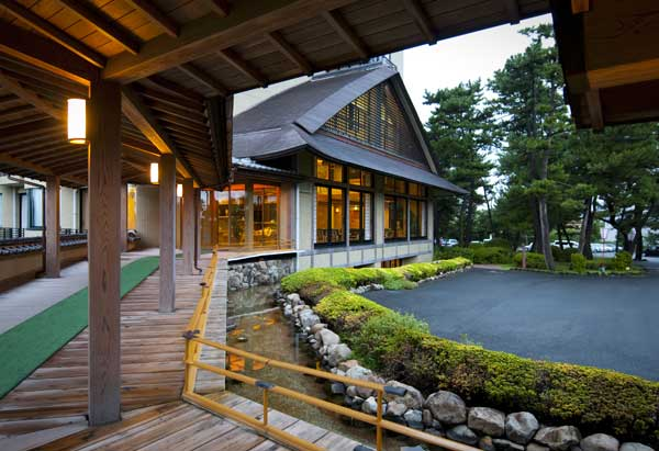 风情温泉旅馆叹日式料理
