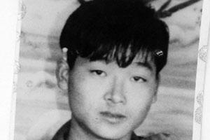 河南民警枪杀无辜青年 警方给其父母30万私了