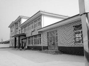 扬州:村委会缺钱 请30多名企业家带5000元礼金赴宴