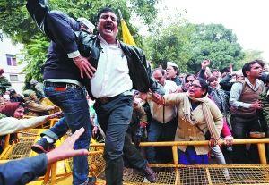 """斯瓦兰·辛格:印度政坛的""""打虎""""党"""