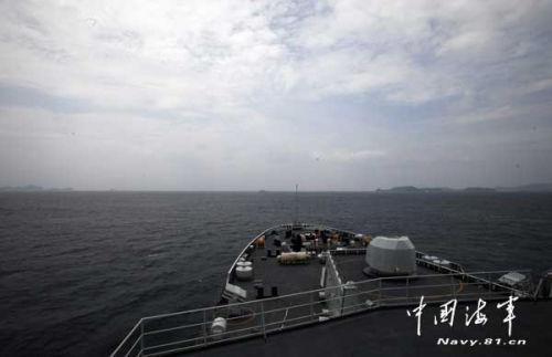 南海舰队远海训练编队穿过巽他海峡进入印度洋