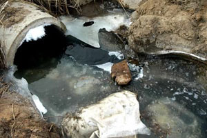 武汉企业排污被罚 环保局不点名称涉国家机密