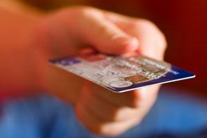 全国累计发行银行卡42亿张 人均拥有逾3张