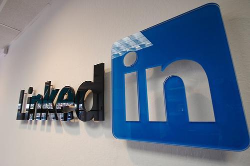 睡前必读:LinkedIn正式入华 起名领英