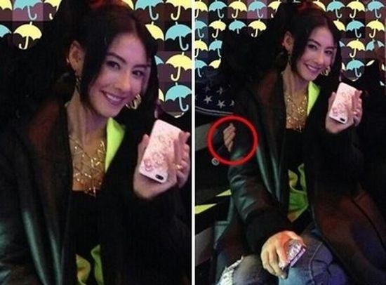 张柏芝坐神秘人大腿上拍照 面对镜头开心甜笑