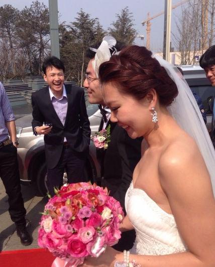赵菁大婚抹胸婚纱显高贵 焦刘洋当伴娘被赞好美