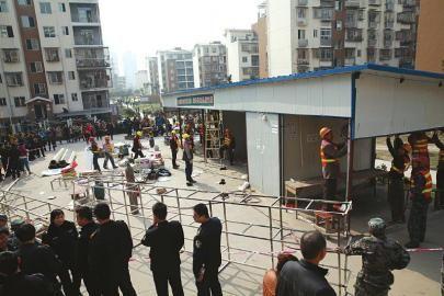 泸州龙马潭区集中拆除55处小区违法建筑