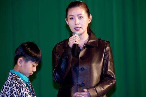 王思懿呼吁关注孤独症儿童 让心中的纸飞机起飞