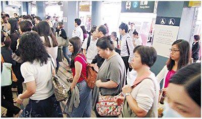 港铁连续两日发生多宗故障 乘客怨声震天(图)