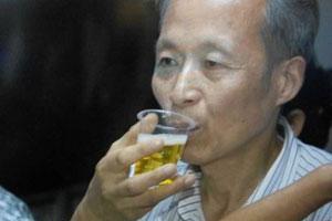 【惊句】中国尿疗协会会长:没喝过尿没有发言权