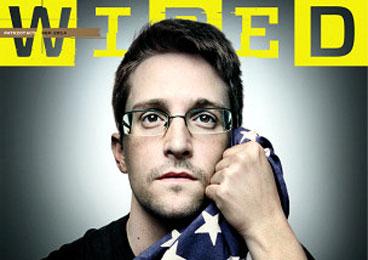 斯诺登抱美国旗登杂志封面 揭美情报秘密新武器