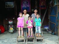 图片故事:残缺的全家福