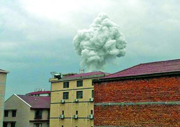 湖南醴陵花炮厂爆炸 致6死38伤