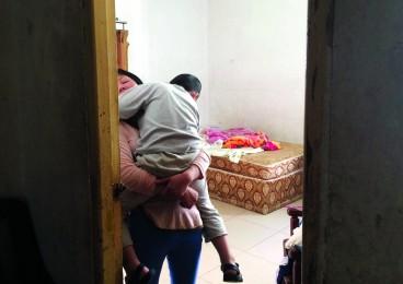 低保户单亲妈妈因购房入户 申请公租房被拒