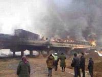 20多车高速追尾 运鞭炮货车引燃其它车辆致火灾