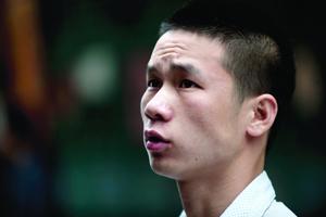"""黄江""""托举哥""""涉嫌非法拘禁被刑拘 称不知已违法"""