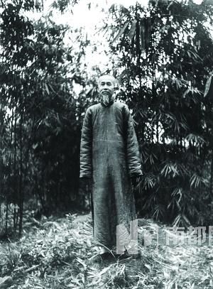 著名哲学家、国学大师熊十力晚年留影 生活虽安定,熊十力的...